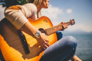 acoustic-guitar-musician2907-1560x1040